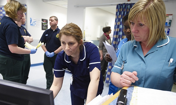 Nurses working in an emergency department